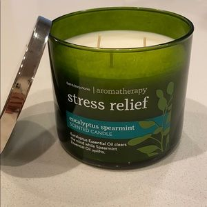NEW Bath & Body Works Stress Relief Candle
